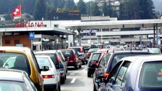 Euro-crisi sulla frontiera: più conveniente l'esodo per acquisti italiani
