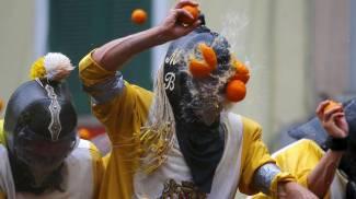 FOTO / Ivrea, la tradizionale battaglia delle arance