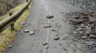 Frana a Pregasso di Marone: strada interrotta