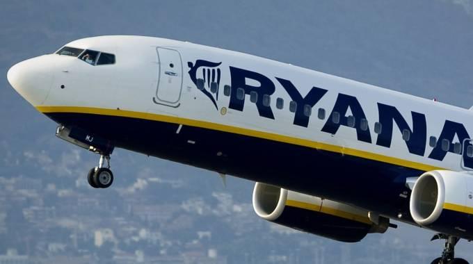 Ryanair vola via da Alghero, Pescara e Crotone