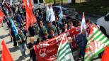 """Whirlpool, azienda e sindacati firmano intesa salva-stabilimenti: """"Nessun licenziamento"""""""